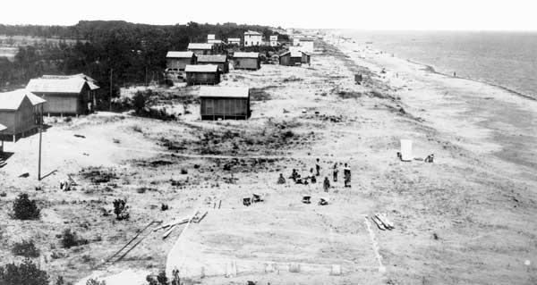 G. Fini. La spiaggia di Jesolo. 1926