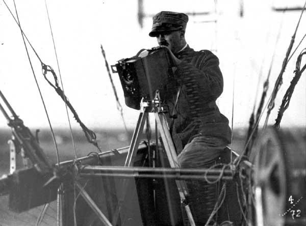 Anonimo. Da un dirigibile in navigazione, 1917? Museo Storico Italiano della Guerra di Rovereto : 6/2323