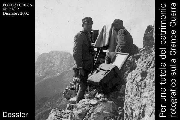 """Una squadra fotografica dell'esercito mentre opera su un fronte avanzato (Carnia 1917) Museo del Centro Comunale Culturale """"Villa Valle Marzotto"""" di Valdagno"""