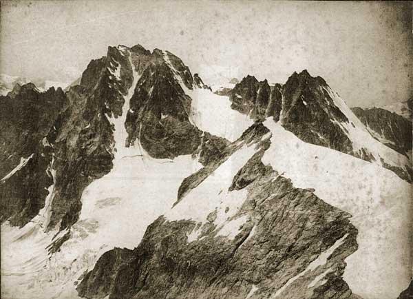 Vittorio Sella. Veduta alpina dalla vetta della Tête Blanche, 1880 ca. (stampa all'albumina - Archivio Zannier - Venezia)
